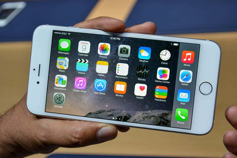 apple-iphone-6-hands-on-3-1500x1000 مراجعة iPhone 6 Plus: شاشة مميزة و بطارية قوية !