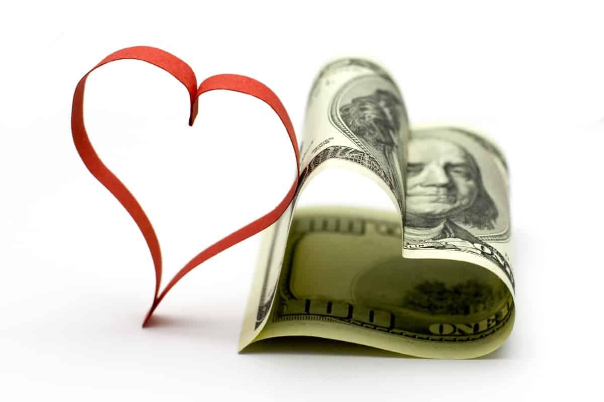 Dear-heart-1358146330_64 أفكار للربح المادي في عيد الحب