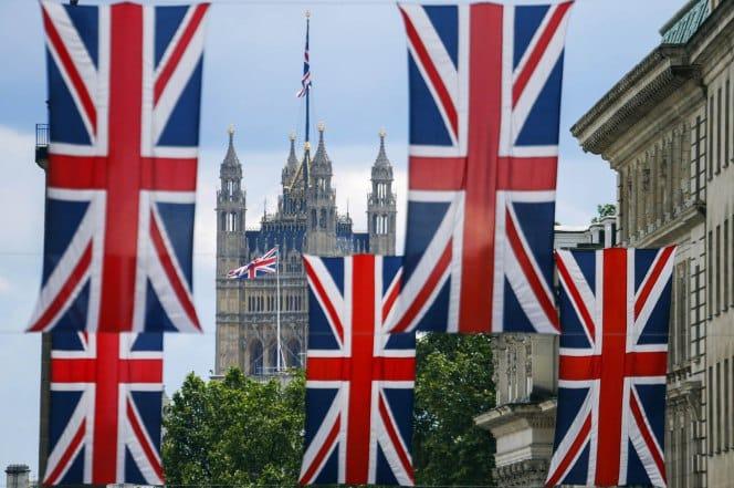 553420453 سوق العقارات البريطاني وقنبلة الرهن العقاري في جسد الإقتصاد العالمي