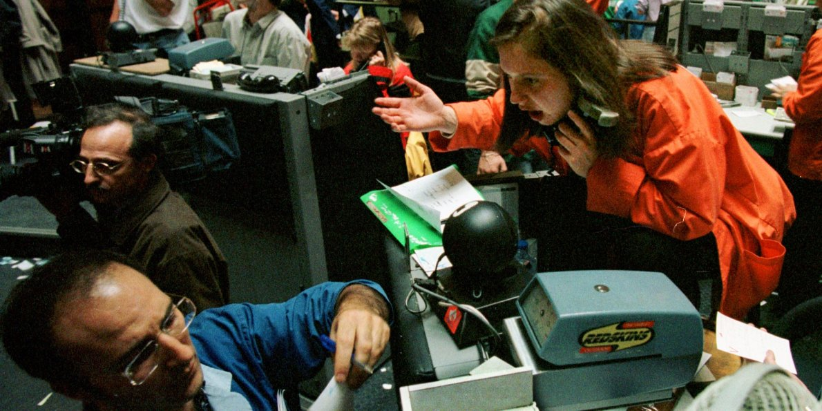 stock-market-crash-of-1987 حقيقة الأزمة المالية لسنة 1987 وكيف ساهم الحاسوب فيها؟