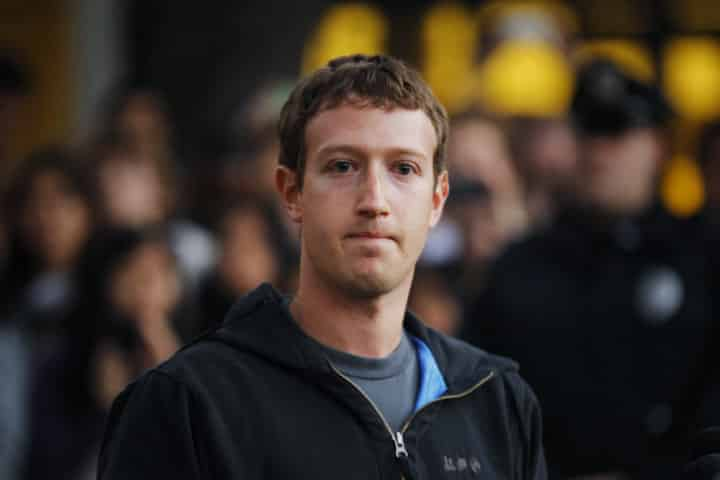 facebook ما بين النتائج الإيجابية وتوقعات 2017 المخيفة فيس بوك يخسر 20 مليار دولار