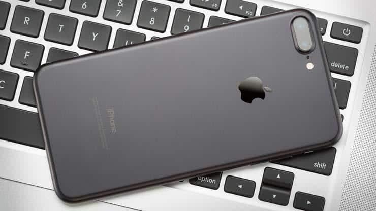 %D8%A2%D9%8A%D9%81%D9%88%D9%86-7-%D8%A8%D9%84%D8%B3-2017 مراجعة آيفون 7 بلس: أحصل على أسرع هاتف في العالم وتجاهل آيفون 7