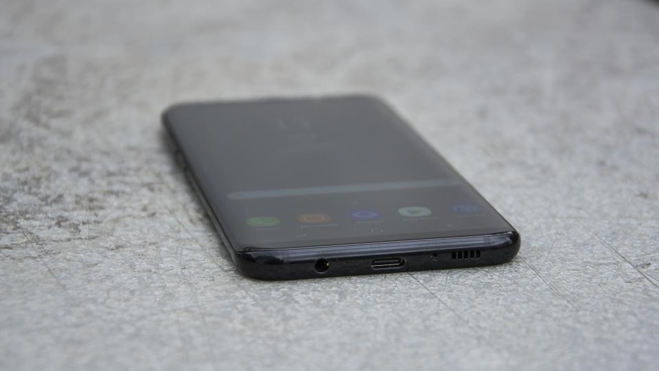 samsung_galaxy_s8_plus_2 مراجعة Galaxy S8 Plus: نسخة أكبر من جالكسي اس 8 لا داعي لشرائها
