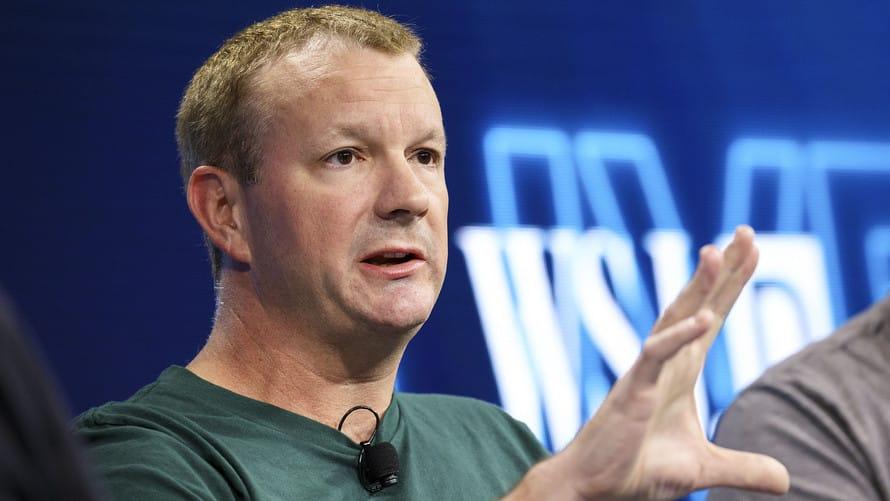 Brian-Acton مؤسس واتساب يحذف حسابه على فيس بوك ويدعو لمقاطعتها