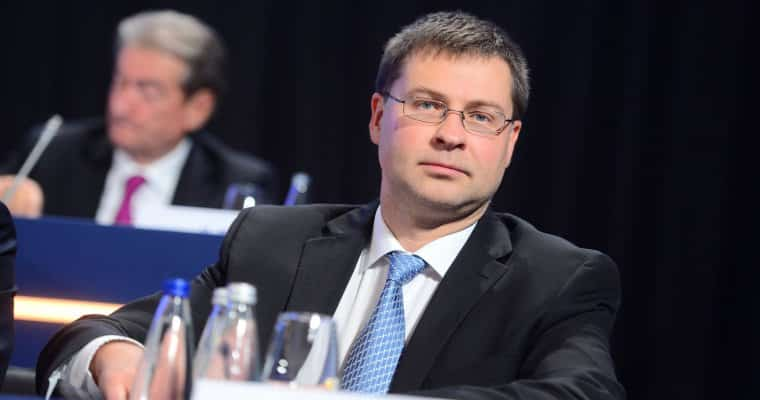 Valdis-Dombrovskis الإتحاد الأوروبي: العملات الرقمية ستبقى على قيد الحياة رغم الأزمة الراهنة