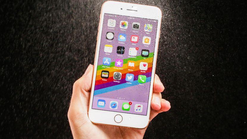 iphone-8 مراجعة آيفون 8: لا تنخدع بالإسم فهذا مجرد iPhone 7S